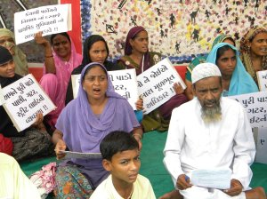 Protest on June 18 against administrative apathy towards IDP colony Faizal Park in Vatwa, Ahmedabad