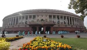 School children arrive to watch the proceedings of Indian parliament in New Delhi
