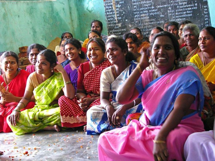 rural_women_india_classroom
