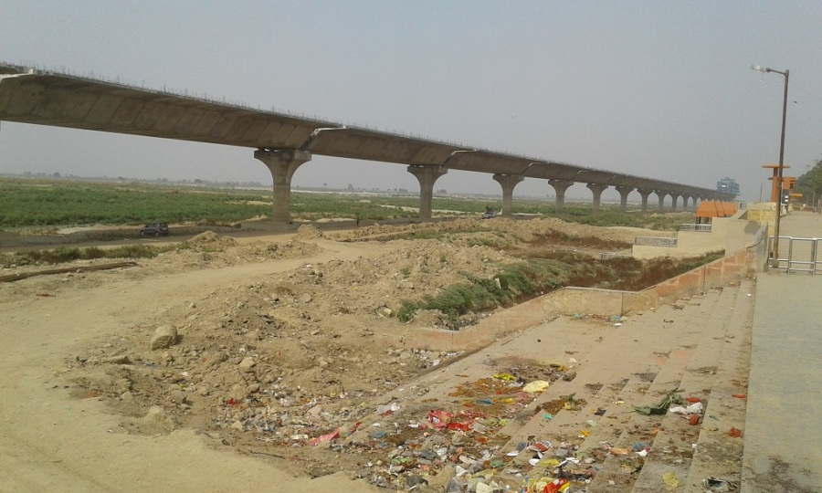 trash-no-water-ganga-pathway