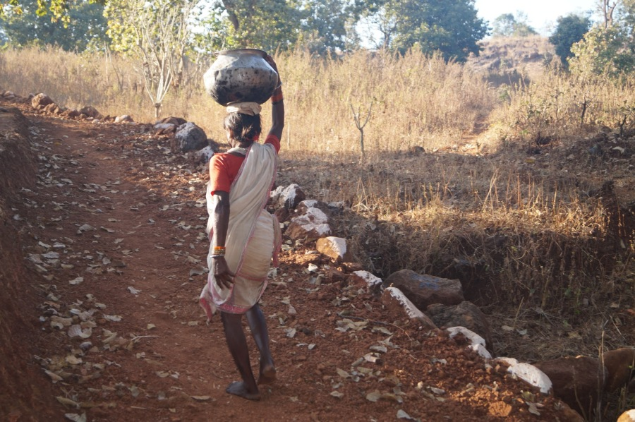 Baiga tribe Women carrying water from far away in CG
