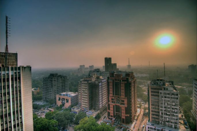 Smog_in_the_skies_of_Delhi_India-768x512