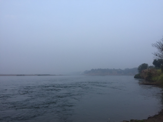 beautiful-morning-mist-on-the-river-at-karnali