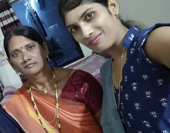 Pravina with her mother Chanda
